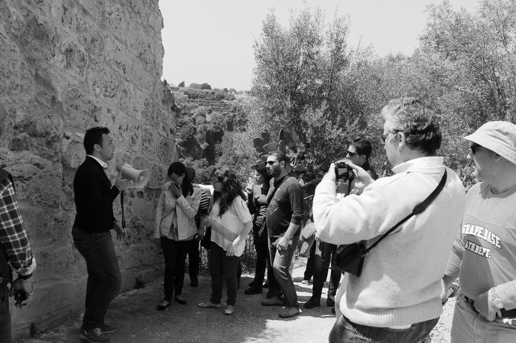 Al #castrumvetus di #Lentini invadendo le tracce federiciane dei luoghi di Riccardo e di Notaro Jacopo .. #invasionidigitali #castrumvetus #lentini #siciliainvasa #igersicilia #igersitalia #faredomaniaps #InstagramersSicilia #28aprile #leontini