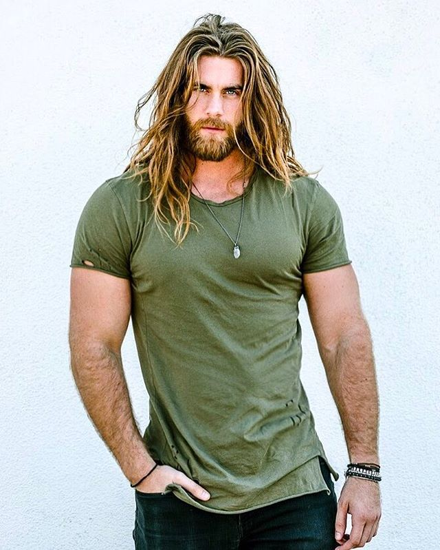 I'm not usually into guys with big muscles, but good lord!