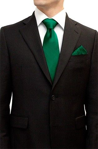 Tie and Pocket Square Set in Emerald Green #barijaybridesmaids #busybridejewelry