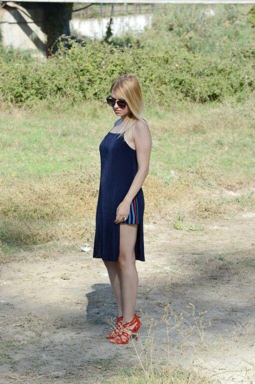 #fashionbloggers #stylist #zara #stripes #blue #vasilikicomgr #vasiliki