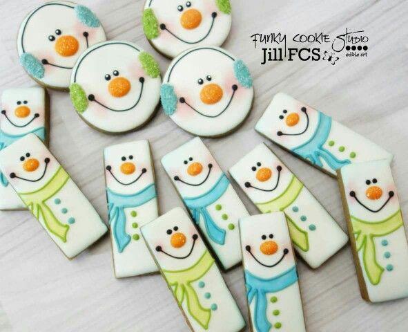 Snowman cookies by Funky Cookie Studio
