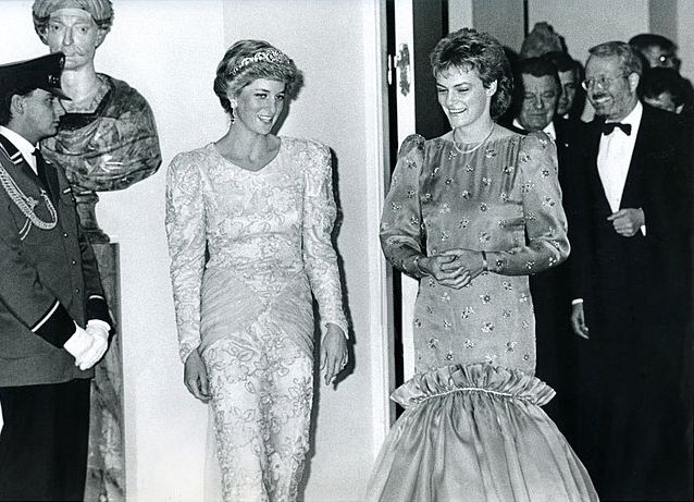 1987-11-05 Diana and Monika Hohlmeier at at Banquet hosted by Bavarian Premier Franz Josef Strauss