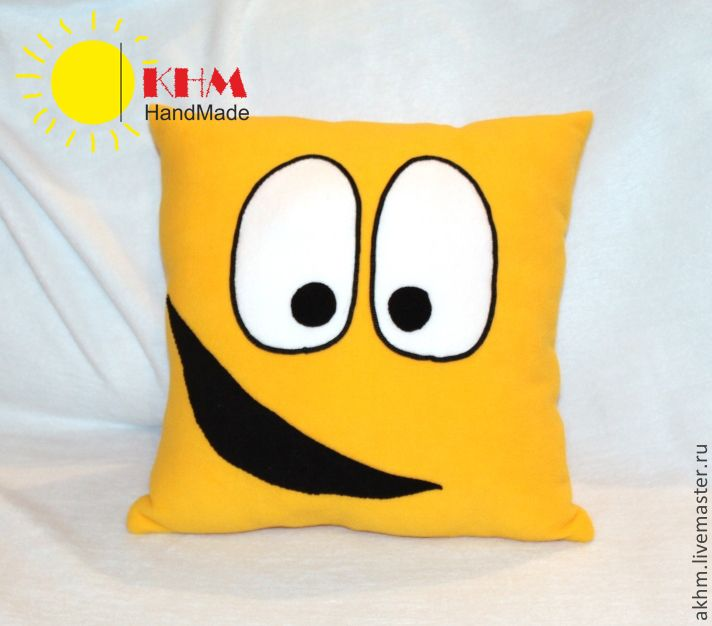 """Купить Подушка-смайл """"Радостный"""" - желтый, смайлик, оригинальный подарок, прикольный подарок, прикольная подушка"""