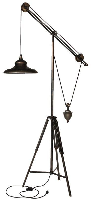 Светильник напольный, металлическое основание и плафон Цвет металла бронза Патрон E27, мощность max 1 х 60W