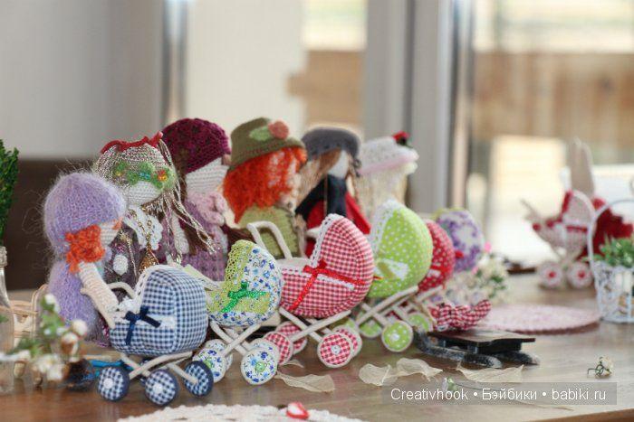 Кукольная фото-сессия двух взрослых девочек. / Домики для кукол, мебель своими руками. Коляски, кроватки и другое / Бэйбики. Куклы фото. Одежда для кукол