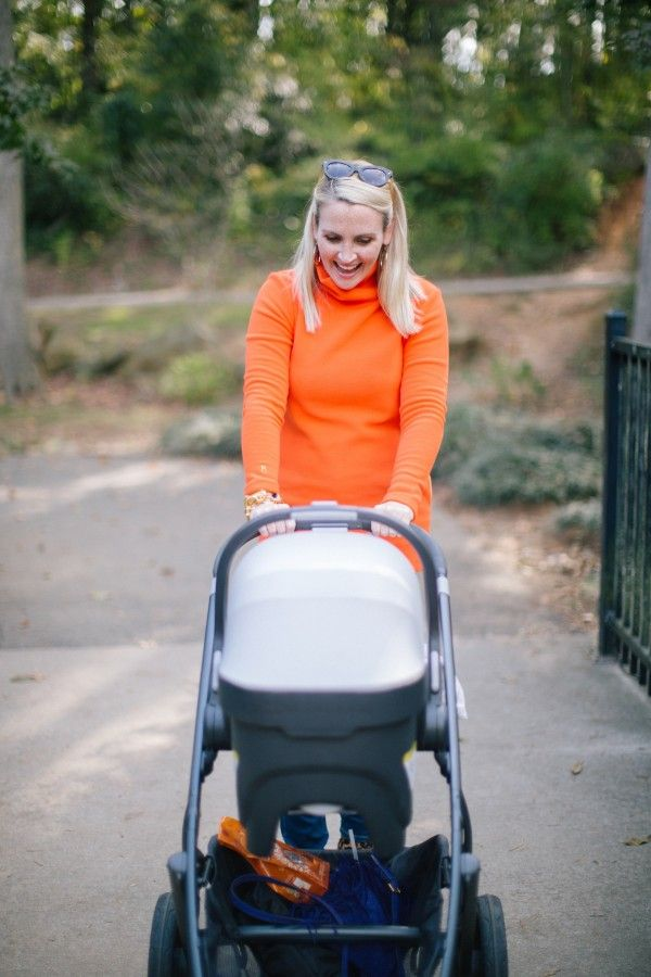 Stylish mom blogger Kate Brennan pushes UPPAbaby stroller.