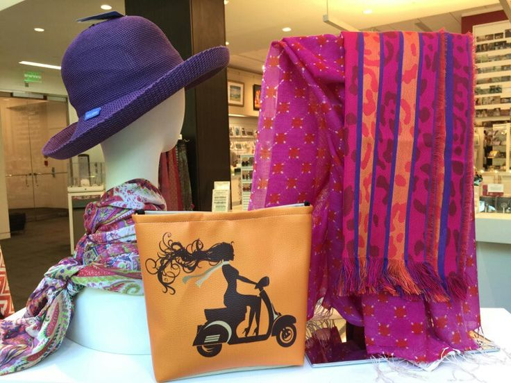 Look what turned up in the gift store at the Museum of Fine Arts, Boston. Jespere retro bags are rockin it!!