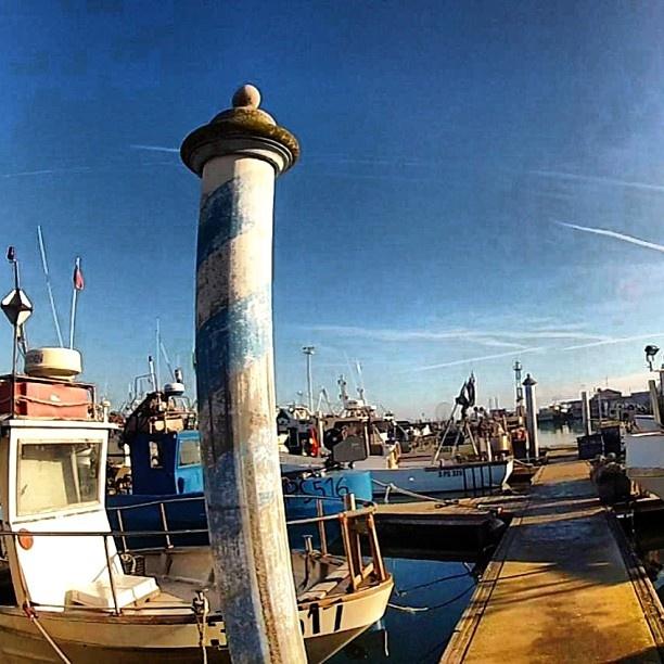 #harbour #clouds #colors #blue #sea #sky #skyline #skyviewers #picoftheday #italy #italia #mare #romagna #rimini #ravenna #pesaro #art #adriatic #fishing #boats #nature #waves #tuscany #umbria - @hotelbelmarcattolica- #webstagram