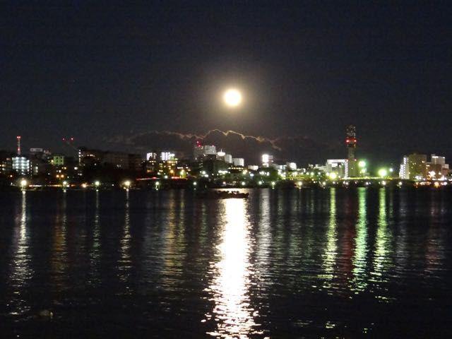 建国記念の日の満月とは、凄い