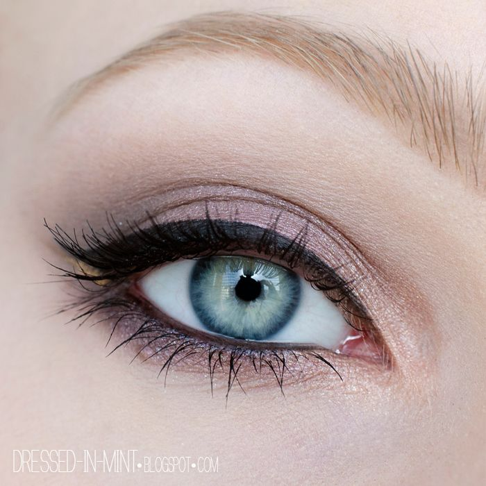 """A soft natural eye look by @dressedinmint using our Love in Florence Palette in """"Gelato for Two""""."""