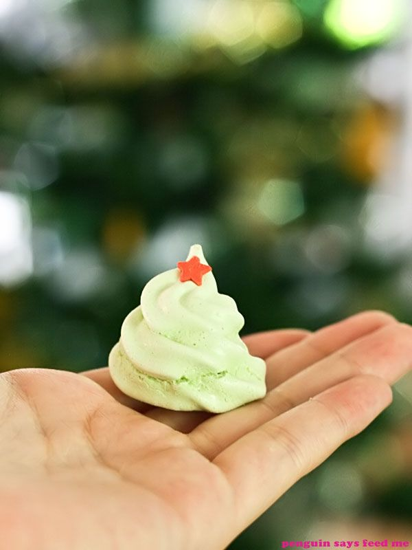 Christmas Tree Meringues and the Sydney Food Bloggers Christmas Picnic | Penguin says Feed Me