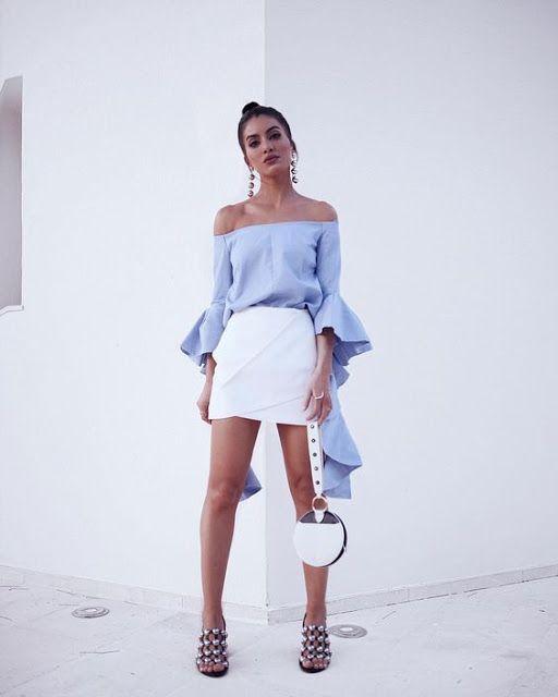 Bruna Virgínia da Silva Look Camila Coelho blusa azul ombro a ombro com babados! Saia branca