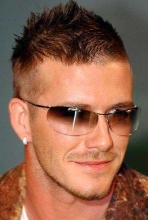 London, Oct 11 : Singer-turned-fashion designer Victoria Beckham and husband soccer ace David Beckham have turned a matchmaker for model Kelly Brook.