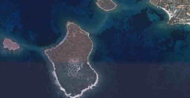 Продается остров Спалатрониси в Греции