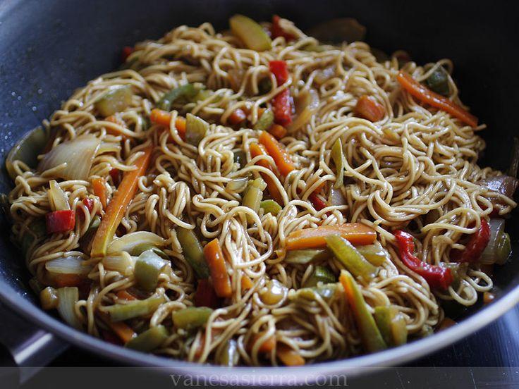 Vanesa Sierra | Recetas paso a paso: Fideos chinos con verduras (noodles con verduras), receta china