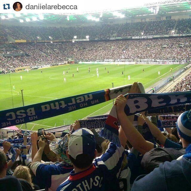 #Repost @daniielarebecca  Liebe  #hahohe #herthabsc #berlin #berlinersportclub #dfbpokal #gladbach #Stadion #liebe