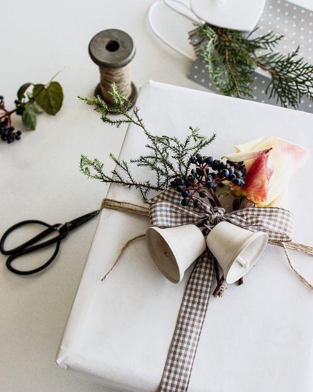 Wrapping ideas!  yılın bu zamanları sevdiklerime hediyeler alır özenle süslerdim. Bu yıl hiçbir şeye hevesim yok gibi  favori paketlerimi Pinterest'te bol bol paylaşıyorum ama(Pinterest: pembeyastik) ❤ Bu paketi de geçen yıl yapmıştım. Sizde durumlar nasıl?
