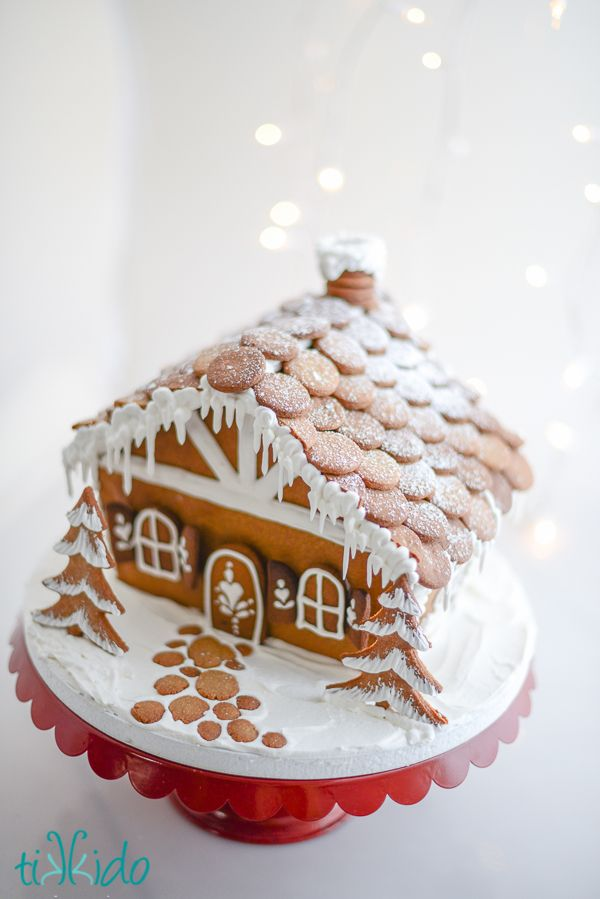 How to Make Gingerbread Shingles for a Gingerbread House | Tikkido.com