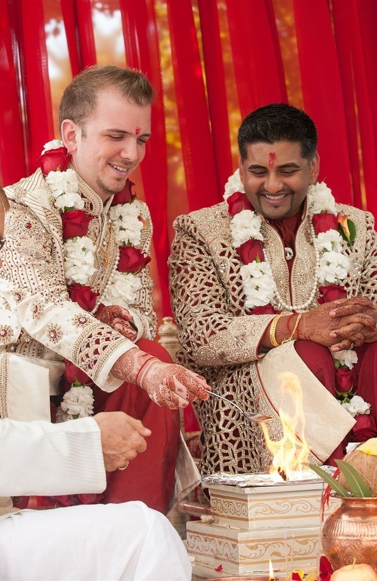 This Gay Couple Had An Indian Wedding And Their Love Story ...