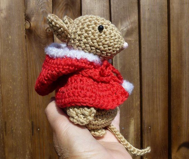 Amigurumi hand made crochet mouse with hooded cape. £10.00