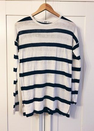 Kup mój przedmiot na #vintedpl http://www.vinted.pl/damska-odziez/swetry-z-dzianiny/15637033-sweter-pullbear-bialy-w-granatowe-paski-36-s