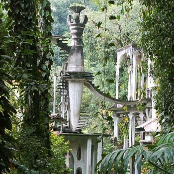 In the summer of 2007, the Fundación Pedro y Elena Hernández, the company Cemex, and the government of San Luis Potosí paid about 2.2 million for Las Pozas and created Fondo Xilitla, a foundation that will oversee the preservation and restoration of the site.[