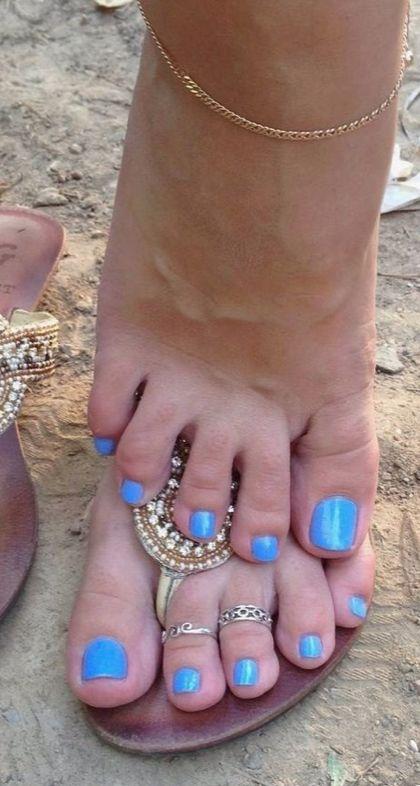 вашим ногти на ногах ксении новиковой фото откровенные фотосессии
