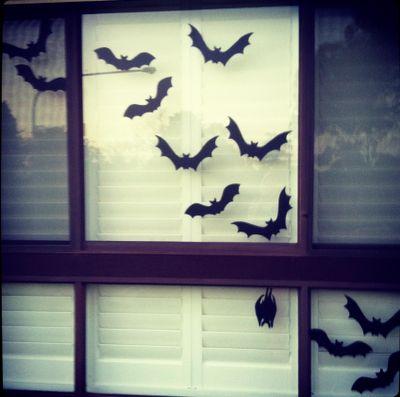 DIY Halloween window silhouettes - happy Halloween from the Honeycombers.