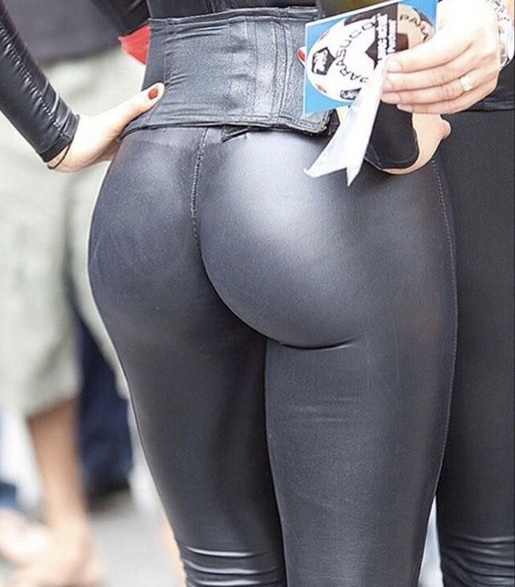 Perfect bottom in black leather leggings in public