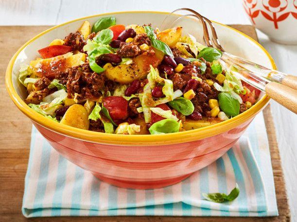 Unser beliebtes Rezept für Chili-con-Carne-Kartoffelsalat und mehr als 55.000 weitere kostenlose Rezepte auf LECKER.de.