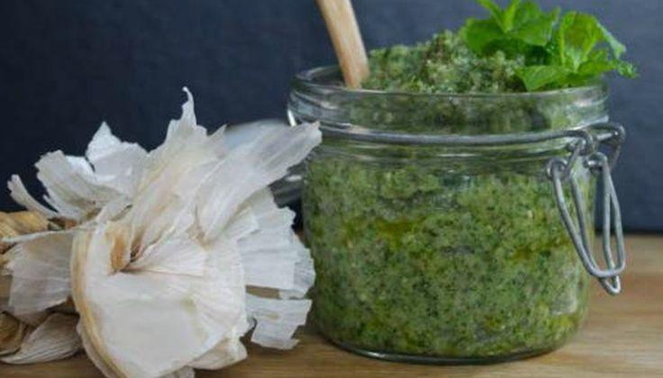 Pesto af skvalderkål.