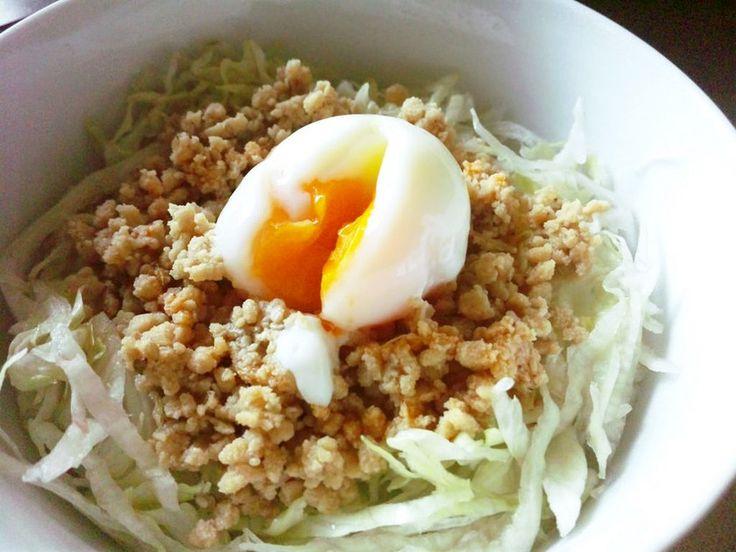 鳥や豚ひき肉の代わりに大豆ミートを使用します。大豆ミートそぼろは色々な料理に使えますよ♪カロリーオフでお腹も大満足!!
