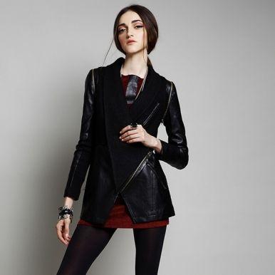 http://www.jollychic.com/p/2013-popular-fur-collar-special-shape-black-leather-coat-g13556.html?a_aid=mariemvs