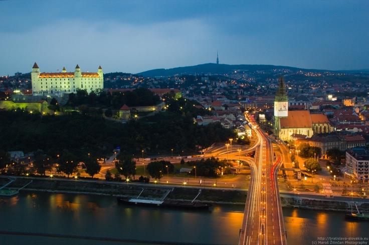 Night panorama on Bratislava Castle and St. Martin's cathedral from the UFO New Bridge Restaurant. (c) Maroš Žilinčan Photography  / http://bratislava-slovakia.eu