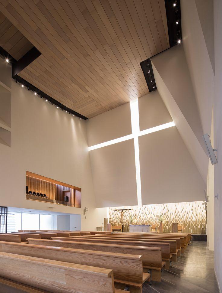 """Iglesia Parroquial """"El Señor de la Misericordia"""", Monterrey, México - Moneo Brock Studio - © Jorge Taboada"""
