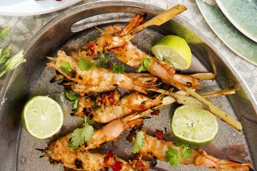 Barbecue prawn skewers with chilli lime