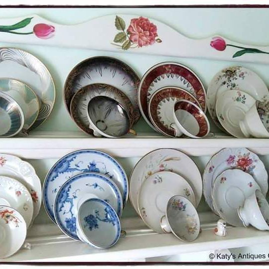 A small part of my collection: tea cups, Bavaria porcelain, Germany.    #teacuplovers #vintageporcelain #antique #fineporcelain #mycollection #finechina  #germanporcelain  #teacups #vintage #vintagestyle