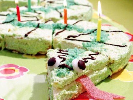 Tårta som gör succé på varje barnkalas ;) Python birthday cake Foto:  Line Riseld