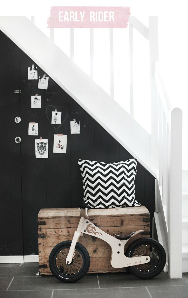 Love the black walls with the grey tile floor