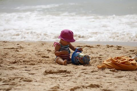 #TravelWithKids ~ Tips to keep in mind when travelling with kids http://www.njkinnysblog.com/2014/12/travelwithkids-holidays-filled-with-fun.html  #Parenting #Tips