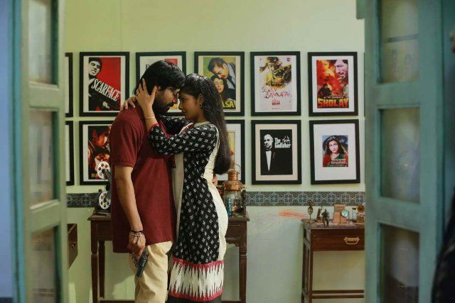 Surya S.J. and Kamalinee Mukherjee in Iraivi (2016)
