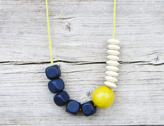 Really awesome Etsy listing at https://www.etsy.com/pt/listing/233222271/navy-blue-yellow-cream-necklace-wood