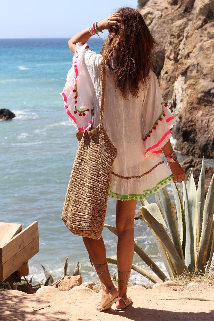Camisa con borlas para la playa