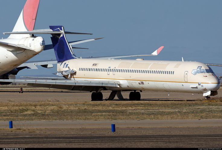 Photo of N631AS McDonnell Douglas MD-90-30 by Radek Oneksiak