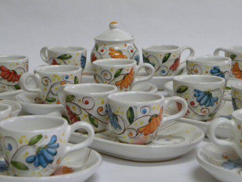 """( CODICE ARTICOLO: TAZ/01) Tazzine da caffè - Produzione artigianale in ceramica dipinta a mano con decoro """"fiori di cera"""".Tecnica: maiolica"""