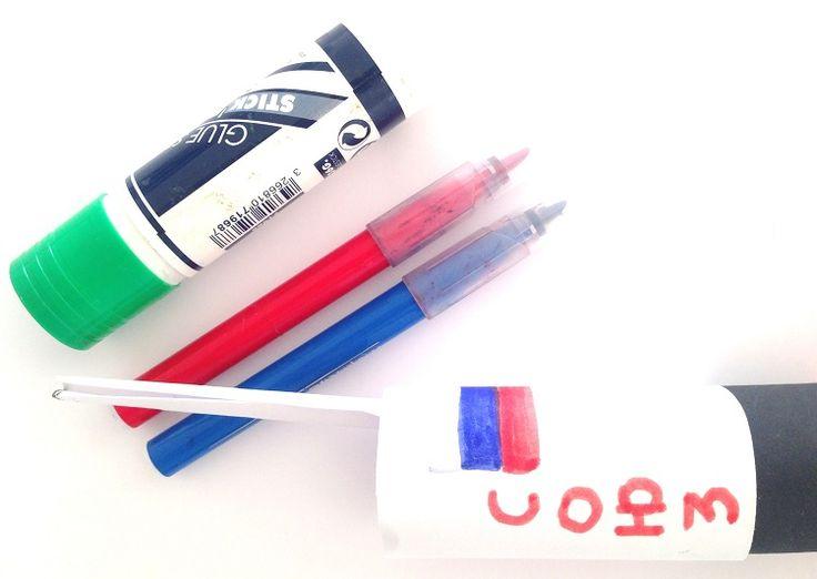 Fusée Soyouz de Thomas Pesquet en rouleau de papier recyclé - drapeau russe #yoopala #thomaspesquet #activitemanuelle