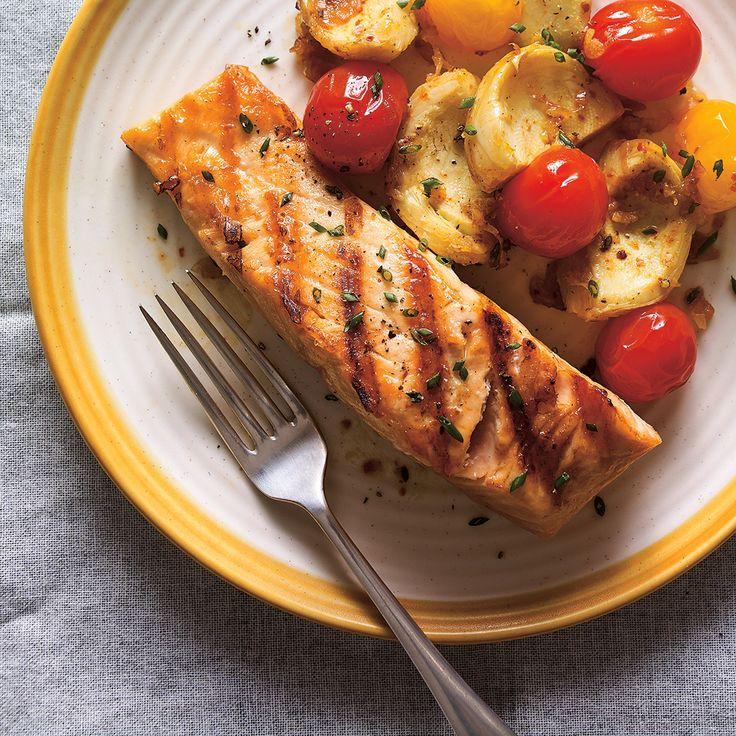 Saumon grillé, tomates confites et artichauts
