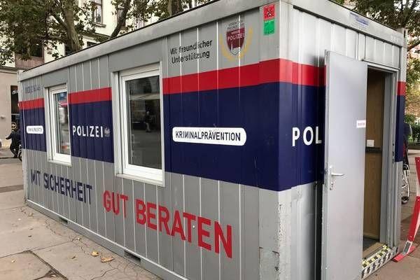 Wien-Donaustadt: Experten der Wiener Polizei stehen der Bevölkerung zur Verfügung