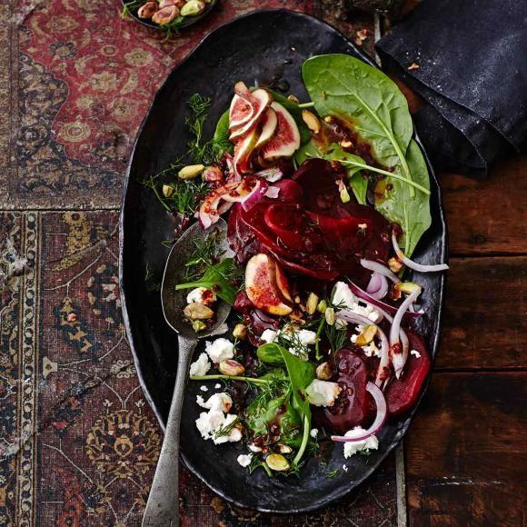 Spinatsalat mit Roter Bete und Feigen