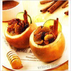 Печеные яблоки, фаршированные изюмом и курагой
